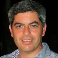 Dr. Martín Amelong